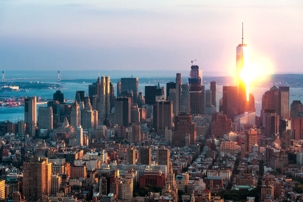 new york city sunset behind skyline