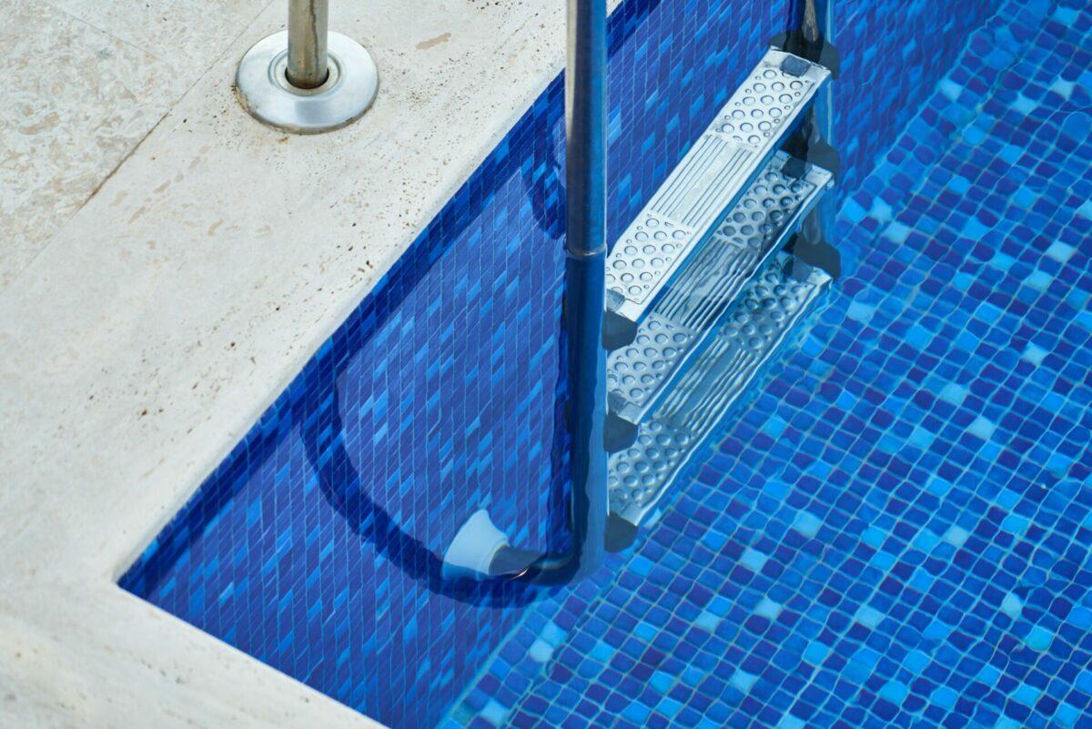 swimming pool in new york